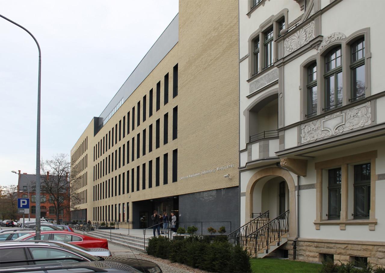 Studienzentrum-Und-Bibliothek-Der-Technischen-Universitaet-Breslau_Friedemann-Rentsch-Architektur_17