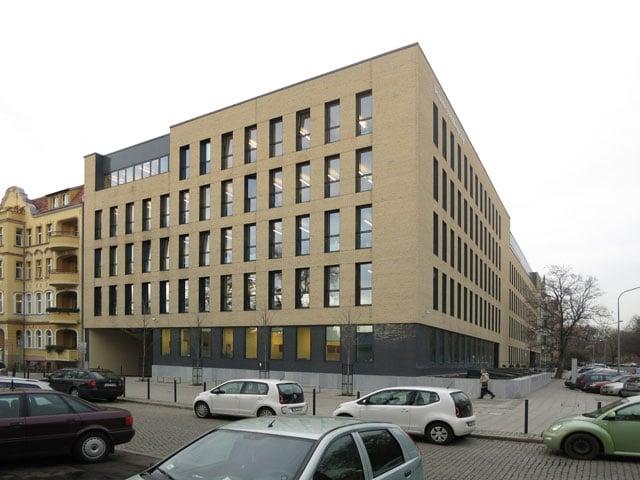 Studienzentrum-Und-Bibliothek-Der-Technischen-Universitaet-Breslau_Friedemann-Rentsch-Architektur_2